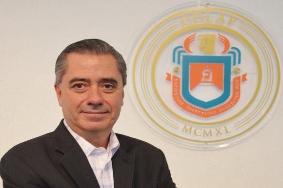 El Delegado Federal de Economía en el Estado de Puebla, Juan Pablo Jiménez Concha dictó ponencia en la UDLAP.