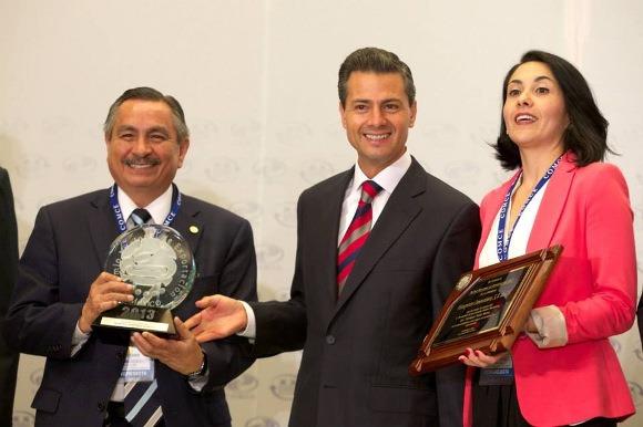 Egresada de la UDLAP ayuda a su empresa a obtener el Premio Nacional de Exportación 2013