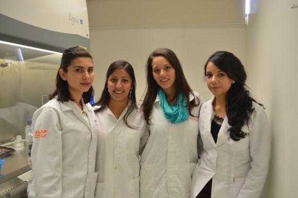 Estudiantes reciben primer lugar por su trabajo sobre tratamiento del cáncer
