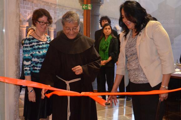 Biblioteca Franciscana presenta la exposición «Repertorio de Manuscritos Antiguos»