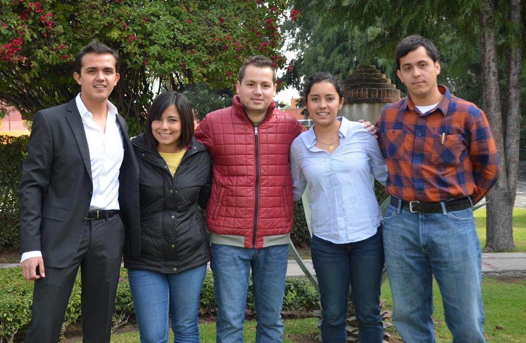 Estudiantes UDLAP reciben la beca Roberto Rocca