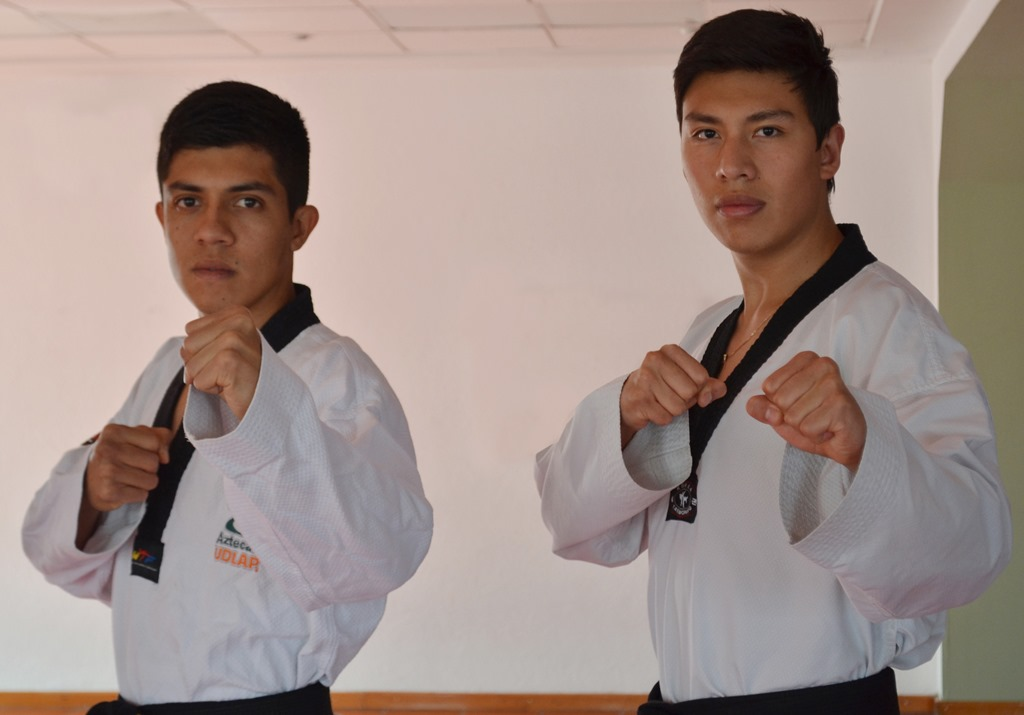Taekwondoínes Aztecas son campeones nacionales