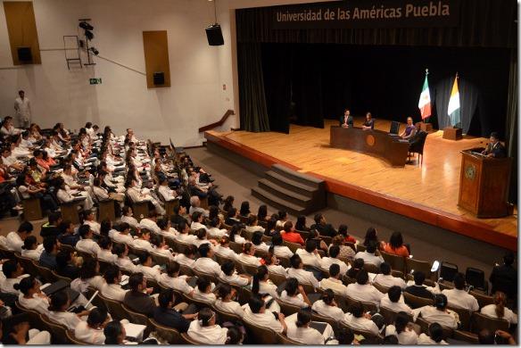 UDLAP complementa formación académica del estudiante con pláticas de especialistas en diferentes áreas