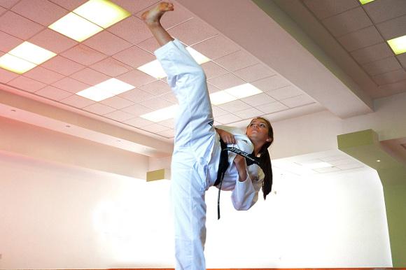 Taekwondoín Azteca de formas consiguió bronce en el preselectivo nacional