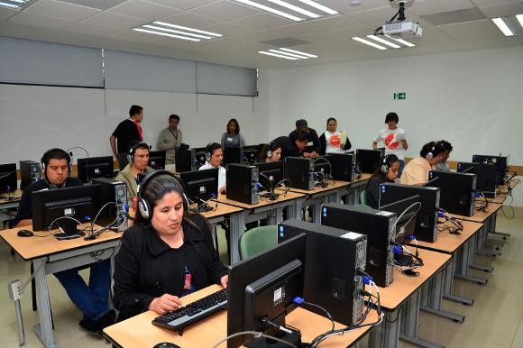 Por cuarto año consecutivo la UDLAP, Ilumina y Microsoft México certifican a personas con discapacidad visual