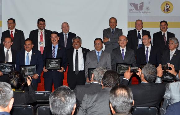 UDLAP recibe Mérito académico de ingeniería por la ANFEI