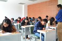 Presentan examen aspirantes a Preparatoria UDLAP-SEDIF