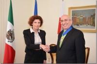 Decano de la UDLAP recibe Condecoración al Mérito por el gobierno de Polonia