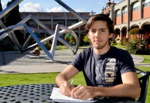 Estudiante de la UDLAP participó en foro de ingeniería en Dubái