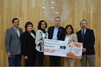 """Estudiantes de la UDLAP entregan donativo a la Asociación """"Ilumina mi Vida"""""""