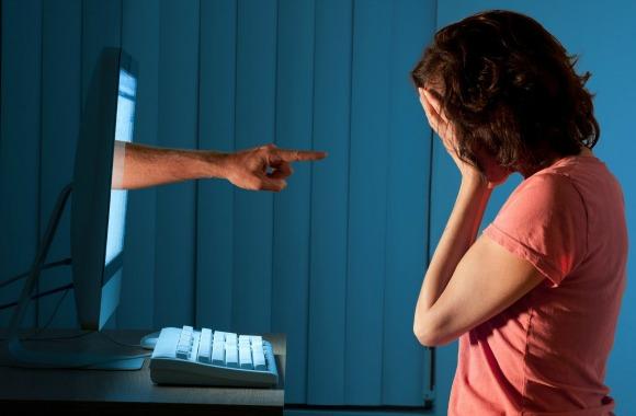 Cyber-Bullying1