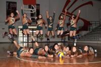 Aztecas de voleibol preparados para la acción