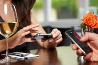 ¿La tecnología nos hace más o menos sociables?- Mtro. Fernando Thompson