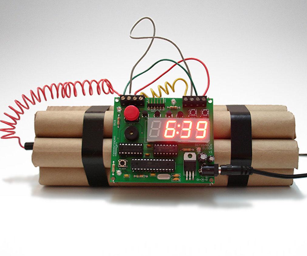 defusable-bomb-alarm-clock1