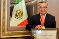 """Académico de la UDLAP recibe Presea Estatal de Ciencia y Tecnología """"Luis Rivera Terrazas"""" 2016"""