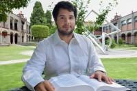 Egresado de la UDLAP realizó estancias de investigación en el área de Nanopartículas