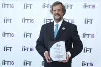 Académico UDLAP distinguido como investigador internacional de alimentos