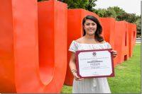 Egresada UDLAP doblemente premiada por su tesis en psicología