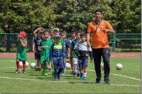 Formando a las estrellas del futbol del futuro