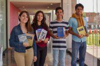 Mesa Directiva de Teatro dona libros en pro del enriquecimiento de la formación teatral de la UDLAP