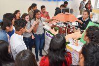 Estudiantes de la preparatoria UDLAP-SEDIF montan exposición de proyectos sobre Diseño Gráfico y Mecatrónica