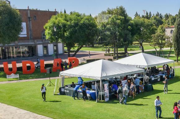 Servicio social y voluntariado de la UDLAP, interés de empresas nacionales