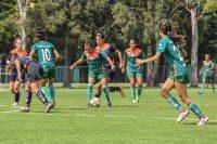 Imbatibles lucen las Aztecas UDLAP de soccer femenil