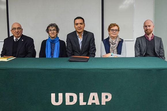 Presentan en UDLAP libro sobre investigación y estudio de las relaciones internacionales contemporáneas