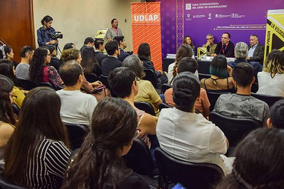 """La UDLAP presenta libro """"La velocidad de la pausa"""" en la Feria Internacional del Libro de Guadalajara"""
