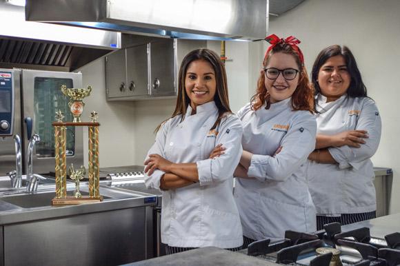 Estudiantes UDLAP obtienen primer lugar del torneo Chef Nueva Generación, realizado en Veracruz