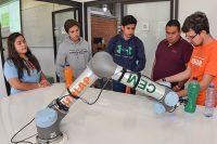 Estudiantes preparatorianos interactúan en Expo UDLAP Primavera 2020